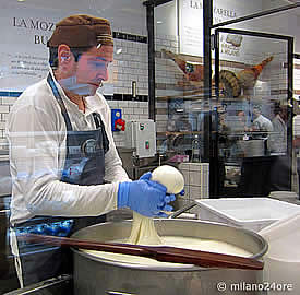 Mozzarellaherstellung